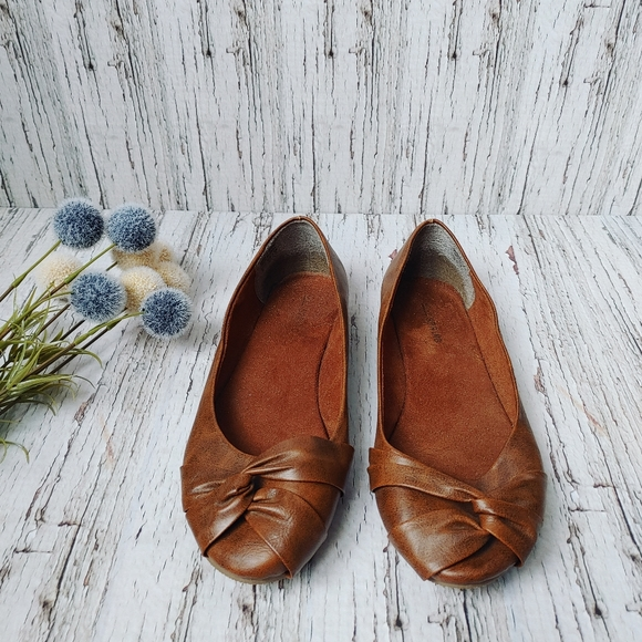 CALL IT SPRING | Caramel Brown Ballet Flats
